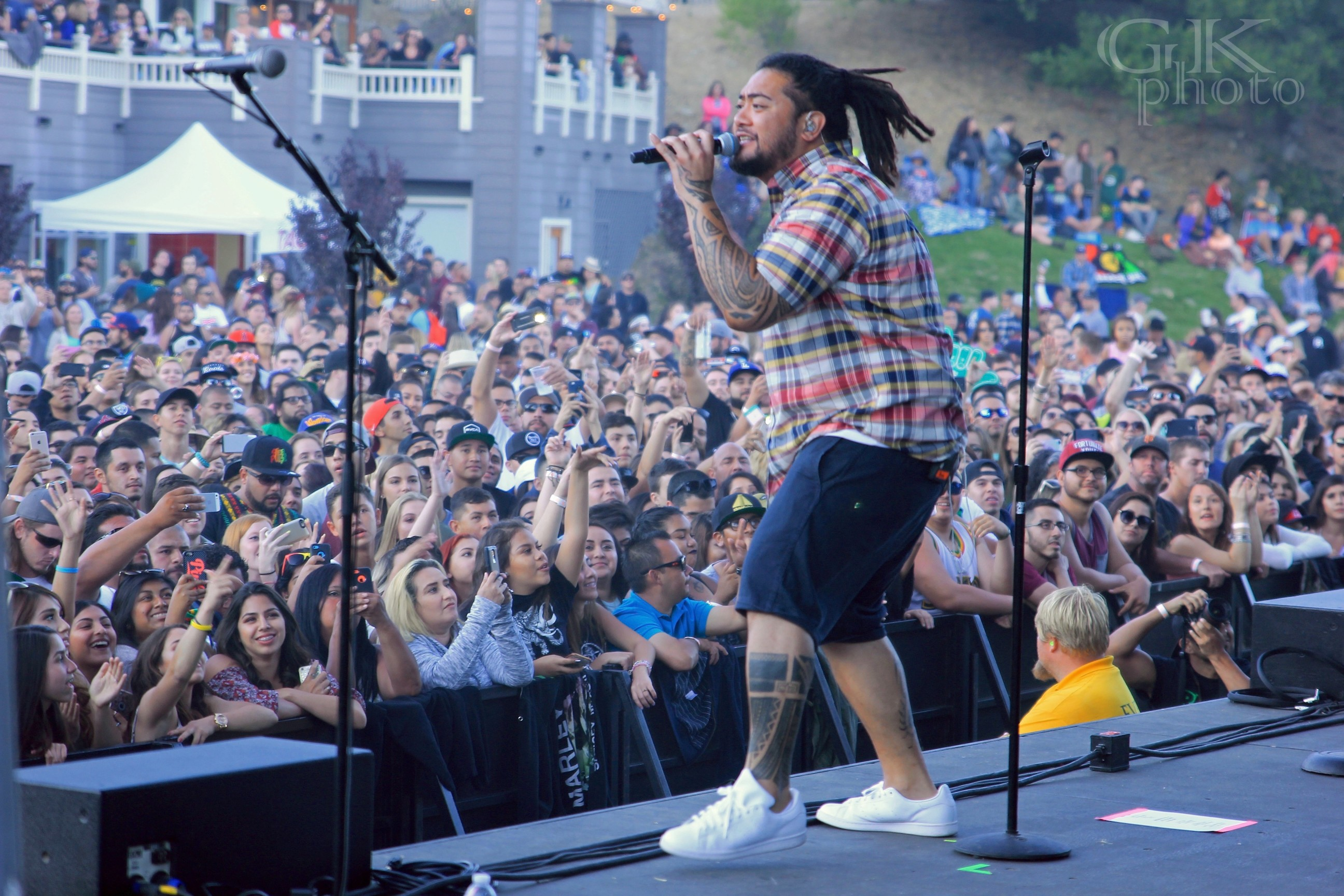 Jboog Joins The Green On This Tour.