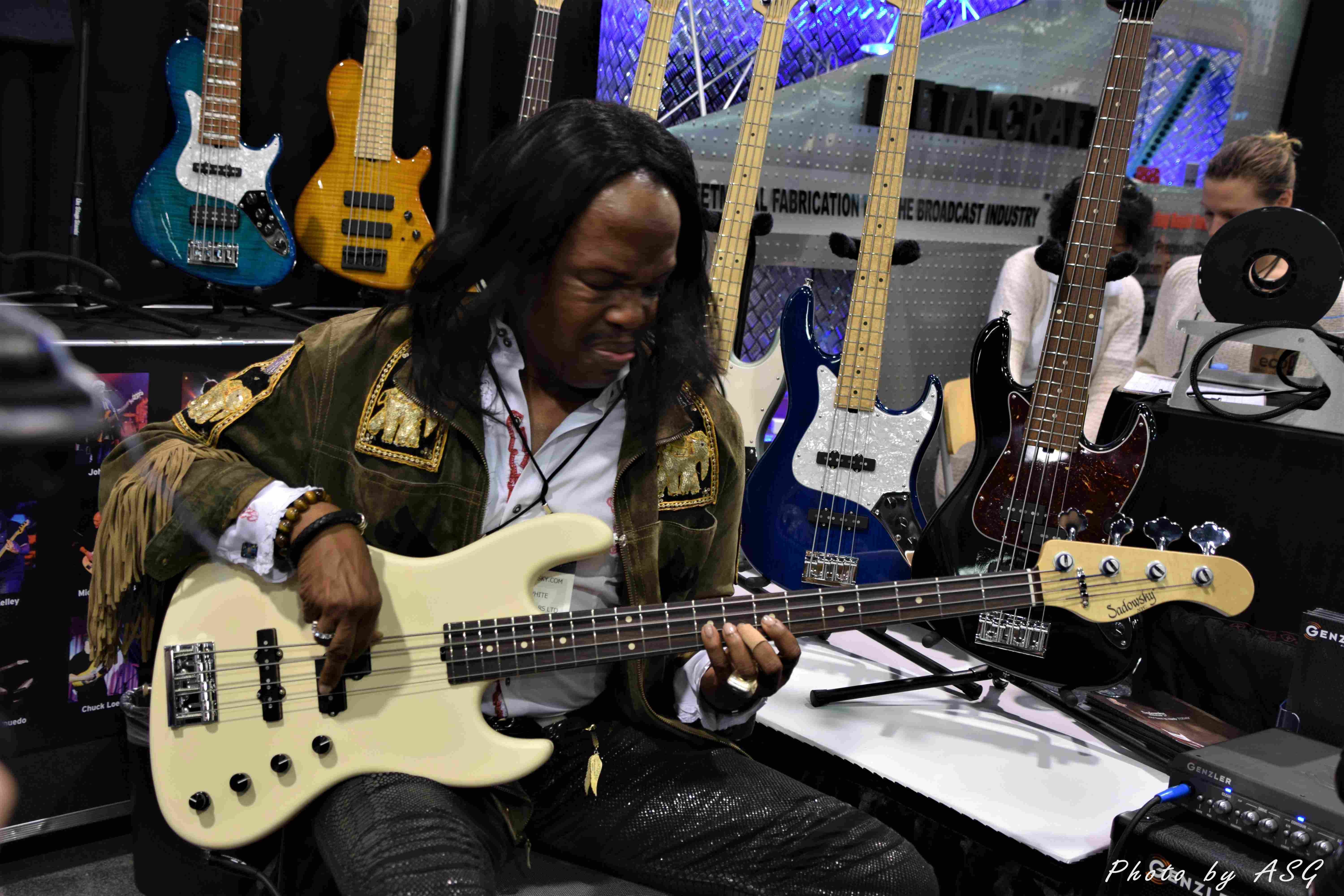 Verdine White Likes His Signature Bass