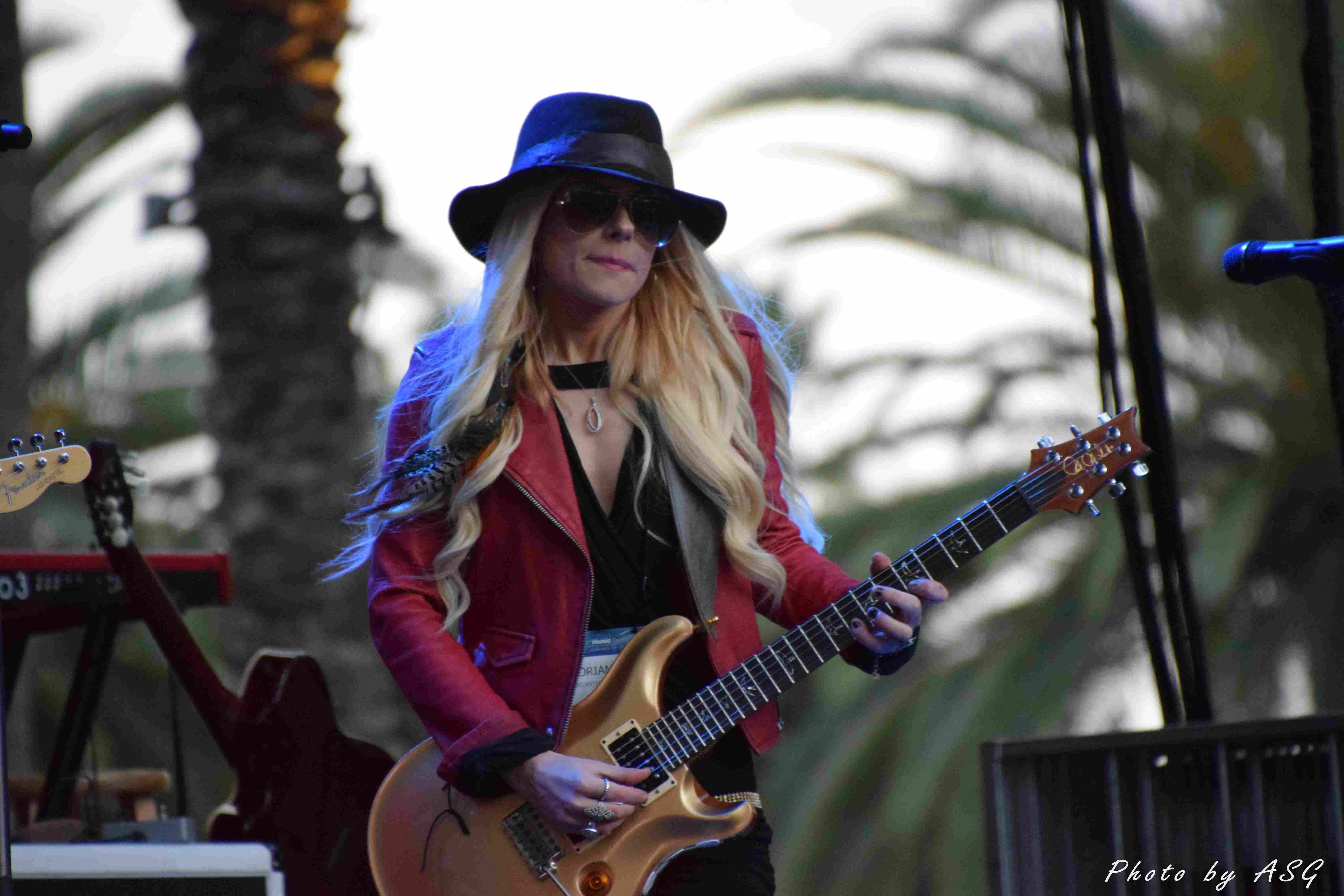 Orianthi Looking Like Michael A Bit