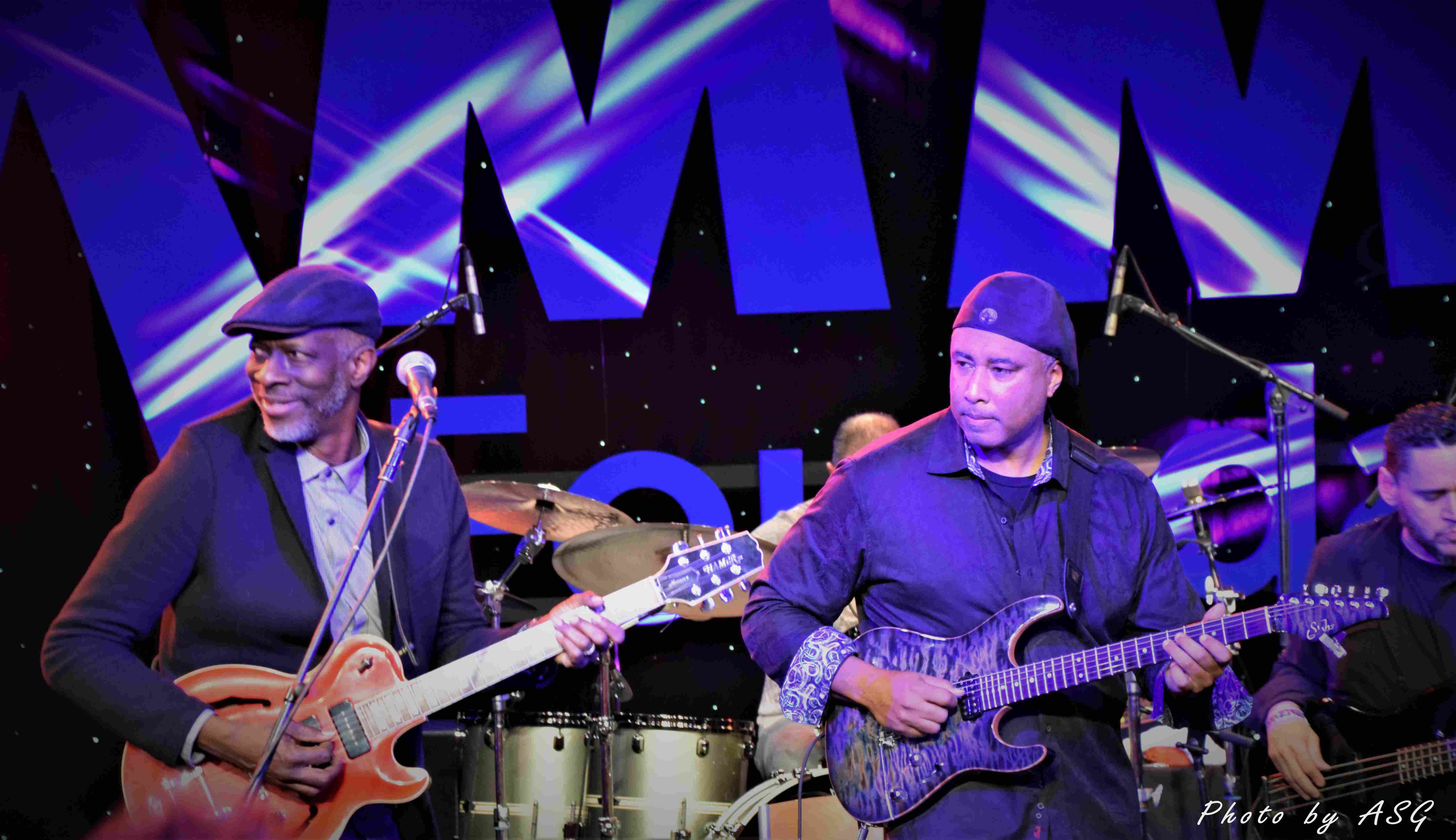 Keb Mo & Bernie Williams Tearin It Up